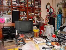 clutter-living-room